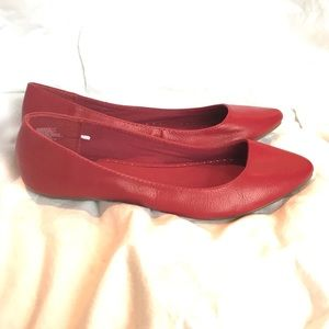 NWOT Red Flats